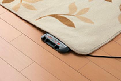 熱に強いからホットカーペットが使える。