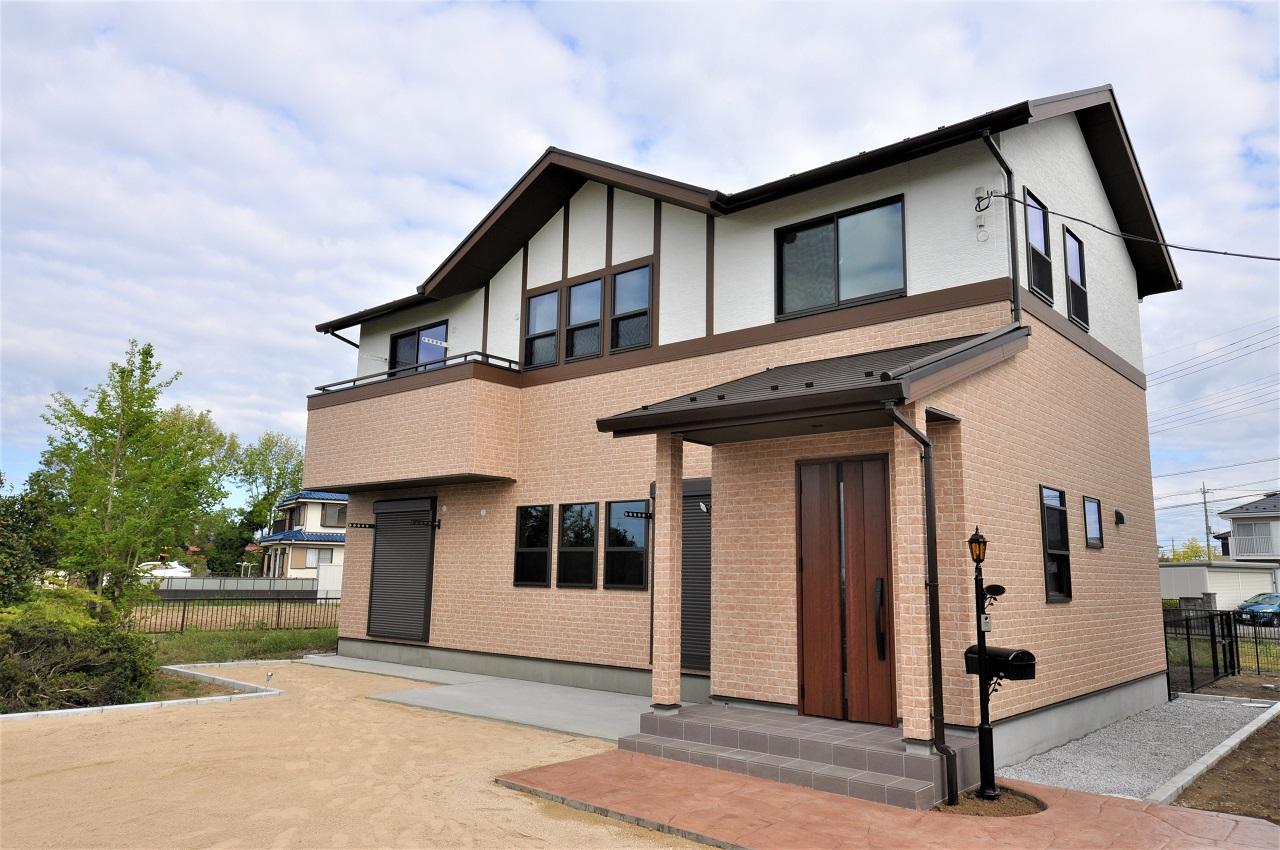 重厚で格調高いブリディッシュスタイルの家メイン画像