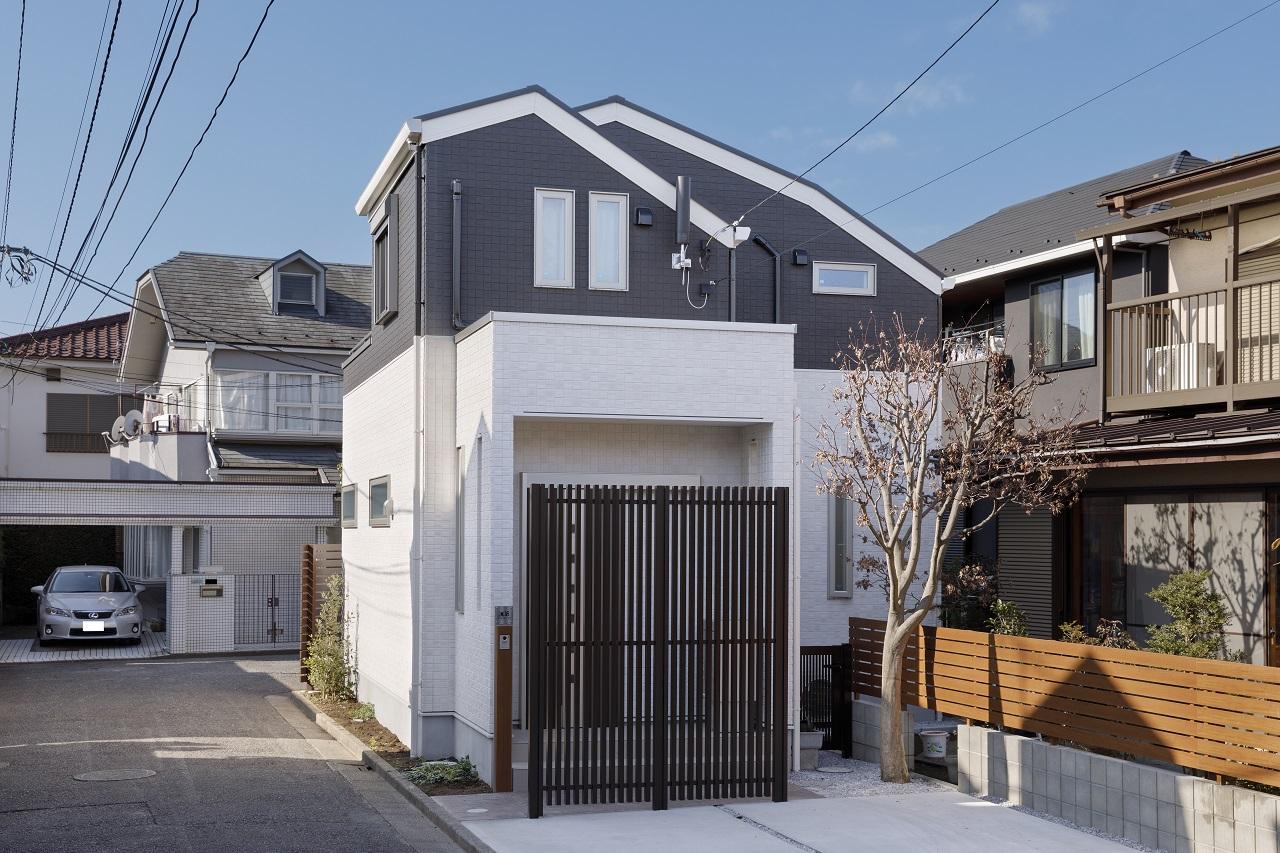 敷地を有効活用したシンプルモダンな家メイン画像